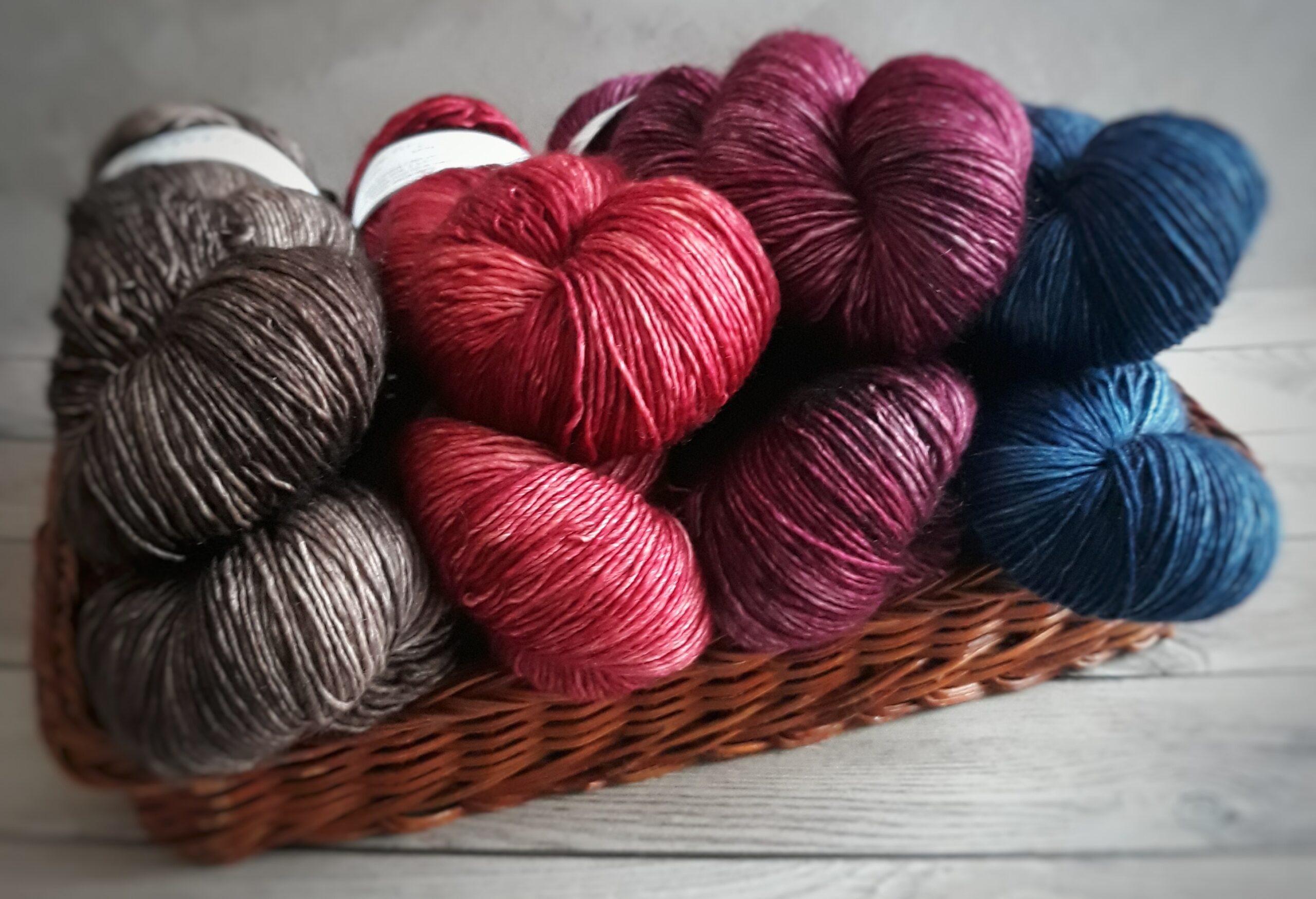 Wool skeins by Surene Palvie pexels.com